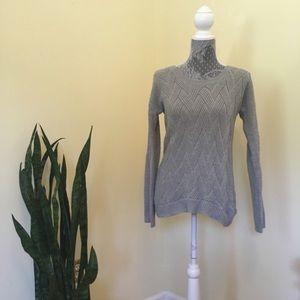 Light gray hippie rose sweater in great shape